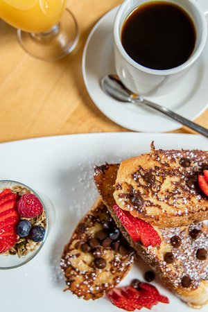 Chatham, Canada: Chocolate and Strawberry French Toast with side of parfait