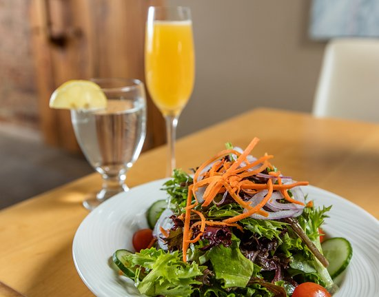 Chatham, Canada: Chilled Cork Salad with Herb and Spice Vinagrete