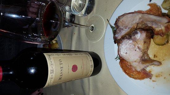 Monticchiello, อิตาลี: Vino liquori antipasto, primi ,secondi, dolce