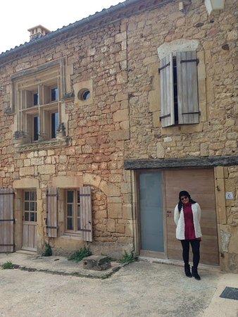 Biron, França: uma das casas do pequeno vilarejo