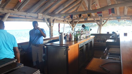 Petit St.Vincent: Le bar