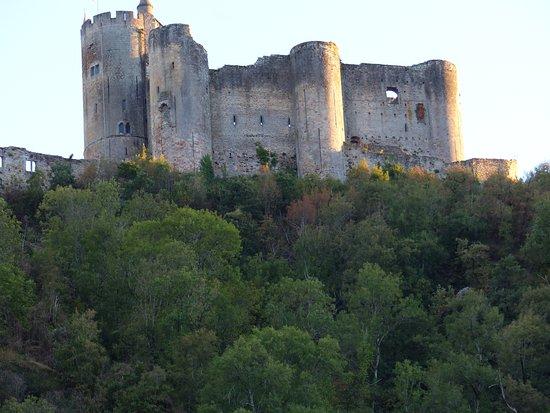 Dîner face au château de Najac