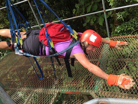 Naranjo, Costa Rica: Getting buckled in for Superman Cable