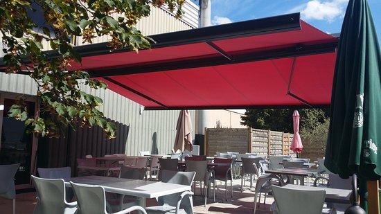 L'Union, Frankreich: Terrasse