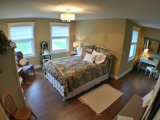 Pequot Lakes, MN: Haven Bedroom