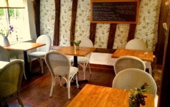 Felsted, UK: Wood Cottage Tea Room & Patisserie