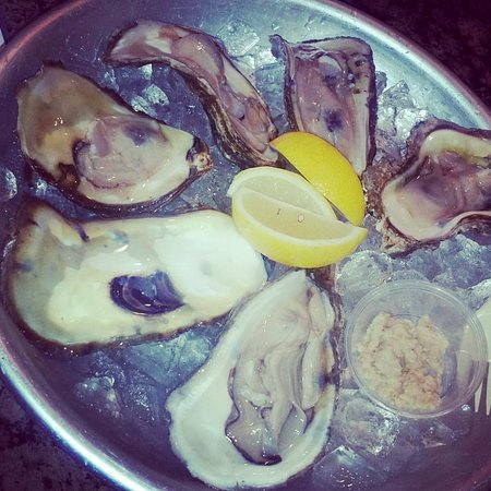 Laurel, MD: Yummy HUGE oysters!
