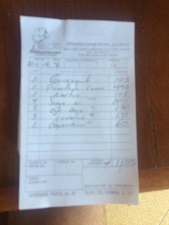 Paamul Hotel: Mal servicio de los empleados y poco criterio del dueño,locales favor de no visitar lugares dond