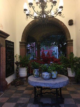 Hacienda El Santuario: Precioso hotel  Muy acogedor, buen precio y servicio excelente.  El desayuno muy rico y esta pre