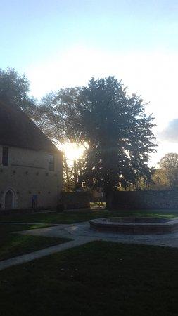 Abbaye de L'Epau: crépuscule