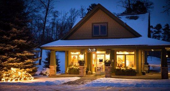 Brainerd, MN: A Winter Evening