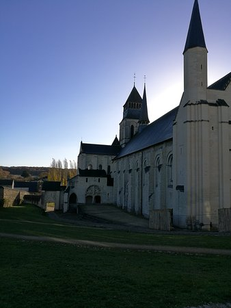 Fontevraud-l'Abbaye, Frankrijk: IMG_20161119_100558_large.jpg