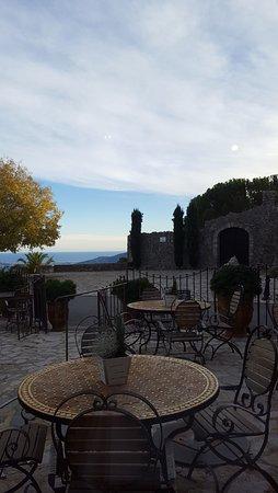 Cabris, Prancis: Vue de la salle à manger