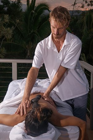 Paia, Havai: One of our male therapists hard at work