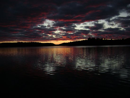 Port Loring, Canada: Beautiful sunsets on the Pickerel River