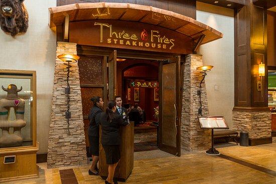 มาเอตตา, แคนซัส: Three Fires Steakhosue