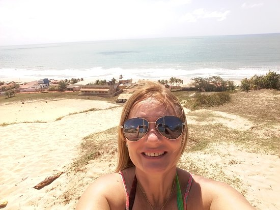 Pirambu beach: Perto da cidade