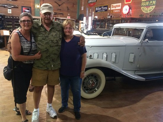 Fort Lauderdale Antique Car Museum: White packard