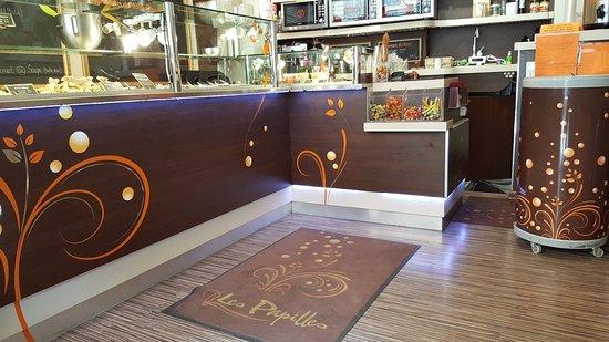 Restaurant Les Papilles  Rue De Chateaudun