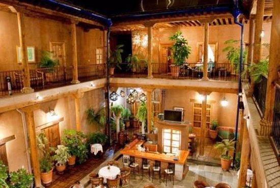Hotel Casa del Refugio: PATIO BAR