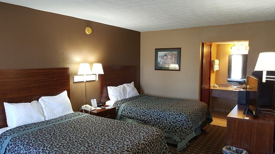 Georgetown, KY: NEWLY RENOTVATED ROOM.