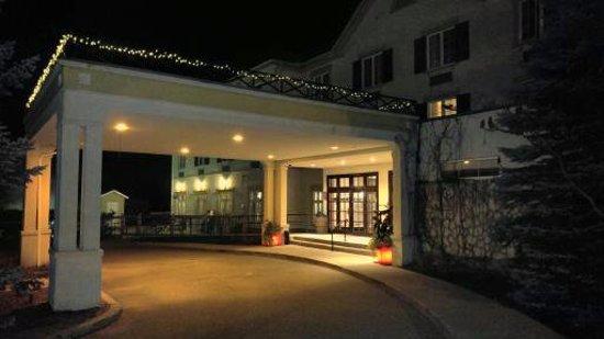 Comfort Inn & Suites: Front entrance