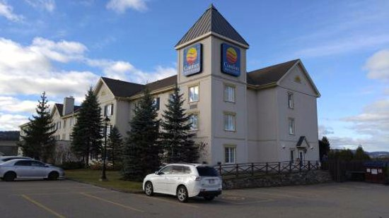 Comfort Inn & Suites: Front of Hotel