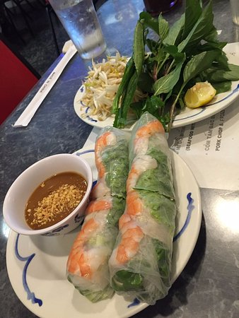 pho minh thu spring rolls with shrimp
