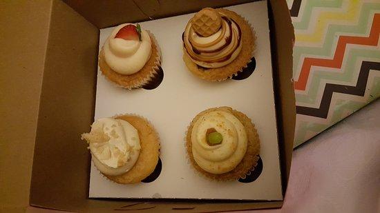 CamiCakes Cupcakes: 20161112_002718_large.jpg