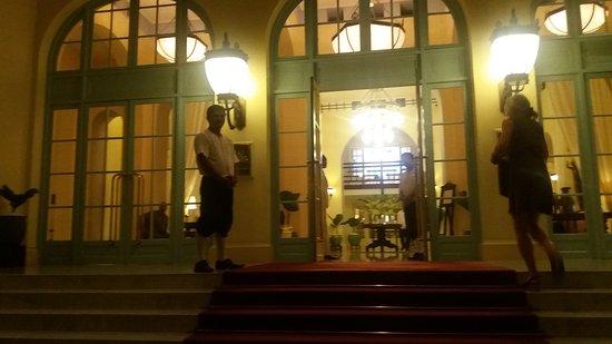 Raffles Hotel Le Royal: 20161118_180910_large.jpg