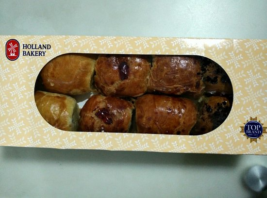 Packaging Of The Cake Picture Of Holland Bakery Jakarta