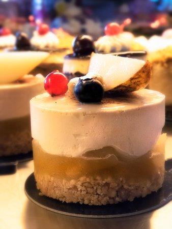 Coustellet, France: Gâteau au poire