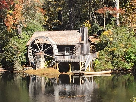Cashiers, NC: Honeymoon Cottage