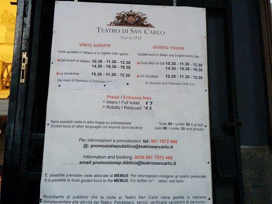 Teatro di San Carlo : Tavola esterna con gli orari delle visite al teatro