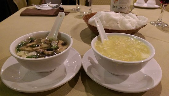 King Do Restaurant: Chicken & mushroom soup, Chicken and sweetcorn soup and prawn crackers
