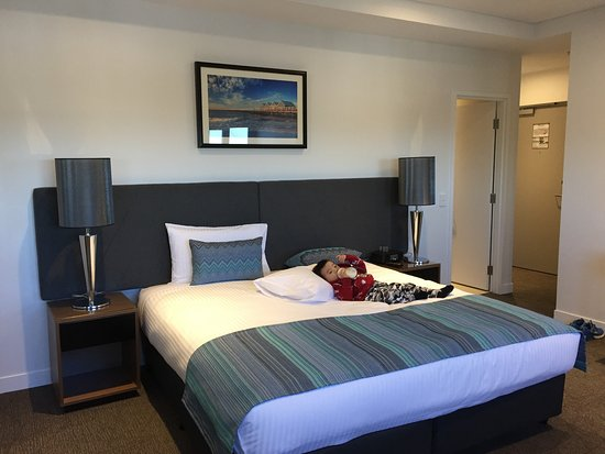 Quest East Perth King Size Bed Of The Studio Apartment