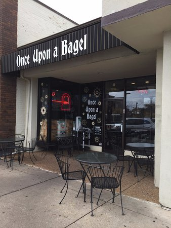 Highland Park, Илинойс: Entrance to Once Upon A Bagel