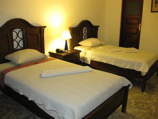 Hotel California $45 $̶5̶3̶ Prices & Reviews Santa Cruz