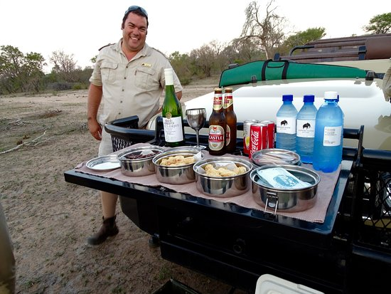 Elephant Plains Game Lodge: Morne's spread! Treat on evening game drive