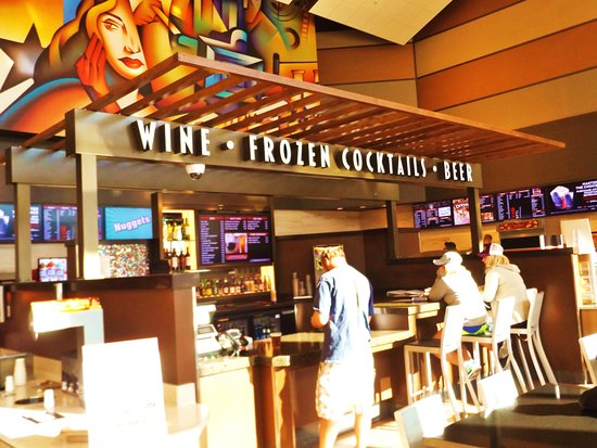 La Quinta, CA: Wine/Beer and Cocktail Bar