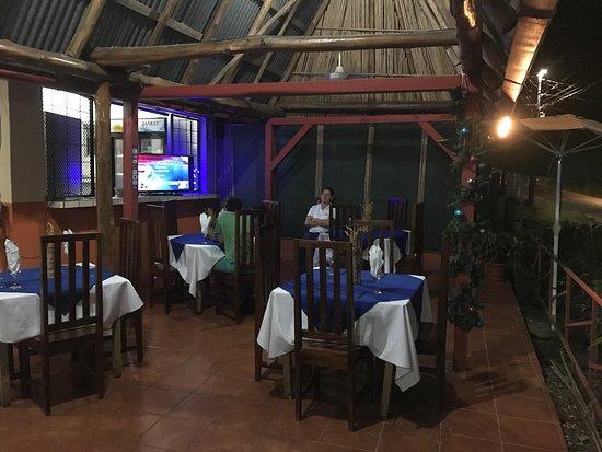 Brasilito, Costa Rica: Sehr liebevoll eingerichtet und einfach total etwas fürs Auge. Das essen und das Restaurant sind