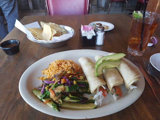 Frankie's Mexican Cuisine: Fried calamari taco plate
