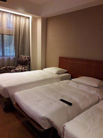 Caritas Bianchi Lodge: Magical Triple Bed Room