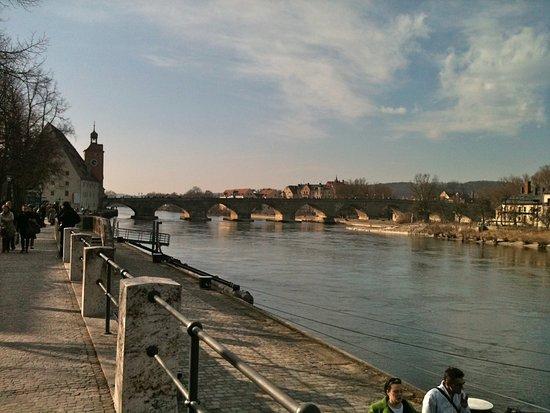 Steinerne Brücke: A beautiful old bridge