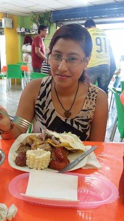 Duran, Ecuador: Plato de Fritada mixta, es excelente