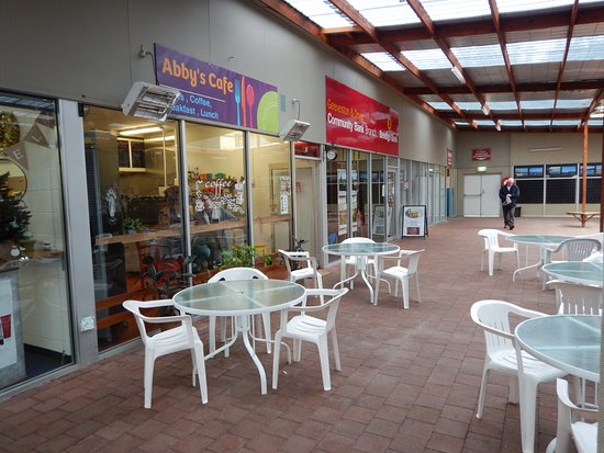 Dover, Australia: Outside under cover seating.