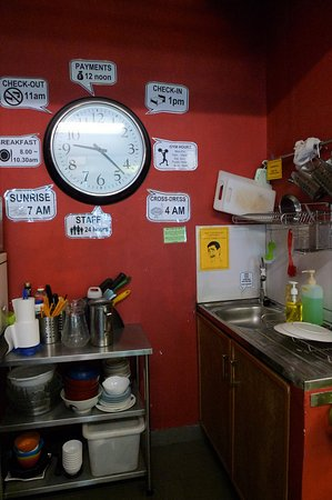 Betel Box Hostel: Pantry