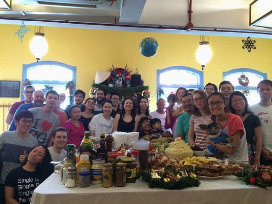 Betel Box Hostel: Betel Box Annual Free Christmas Lunch - hosted in our common room!