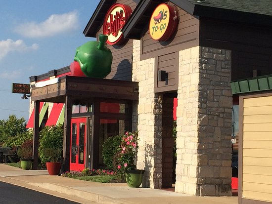 Kirkwood, MO: Attached Chili's Restaurant