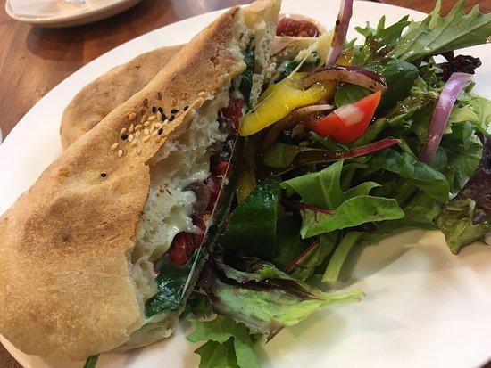 Metricup, Australien: the Vegetarian Panini..